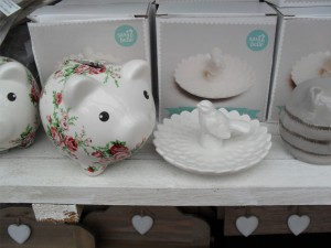 gifts-piggy-bank-jewellery-dish